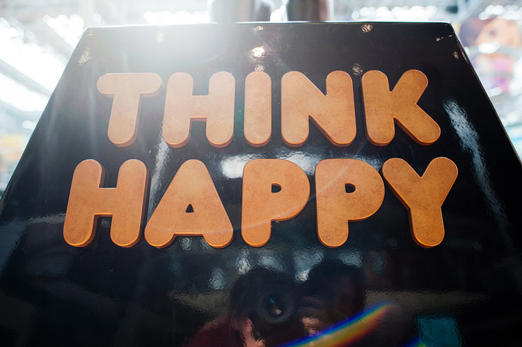 Think Happy sign.