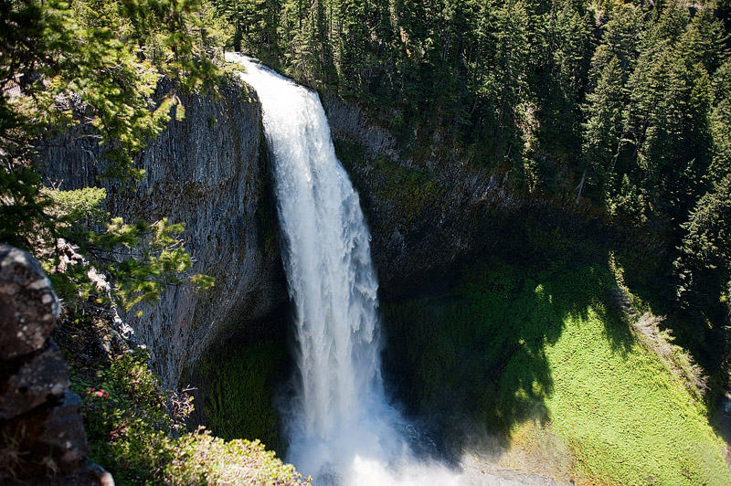 Salt Creek Falls waterfall in Oregon.