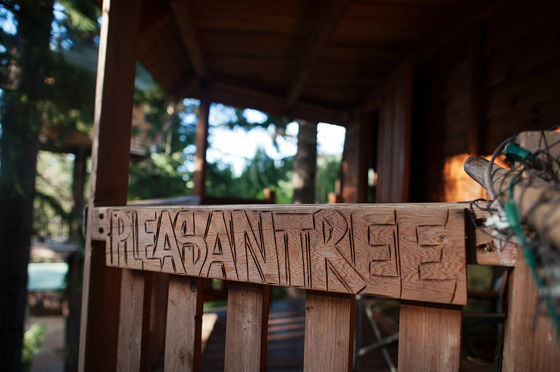 Pleasantree treehouse sign.